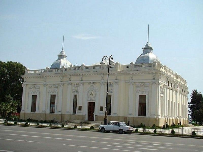 Театр кукол им. А. Шаига